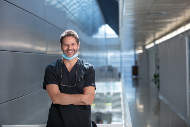 Dr. Xavier Calvo, periodoncista y Medical Advisor de Dentaid. FOTO: Dentaid